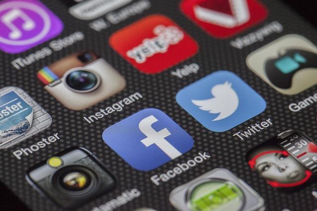 Mobile social apps